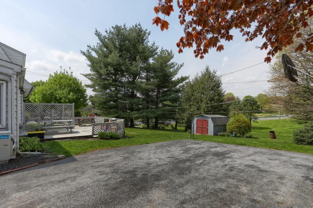 17 E. Hill Street - Backyard
