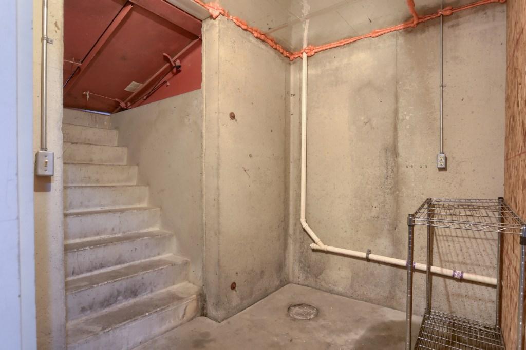 25 Tiffany Lane - bilco door access to basement