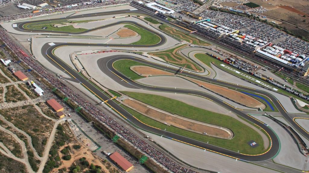 Vista aérea del Circuit con la curva 8 en primer término