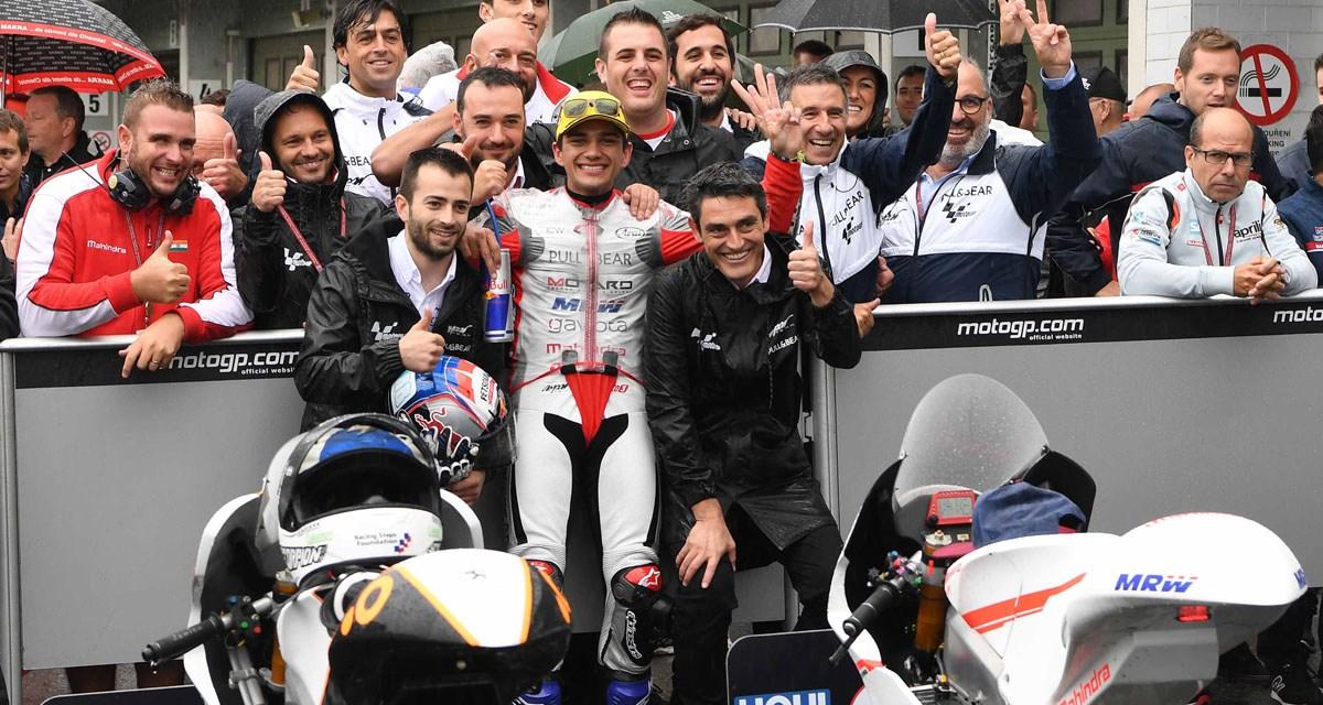Jorge Martín reina en la lluvia con su primer podio