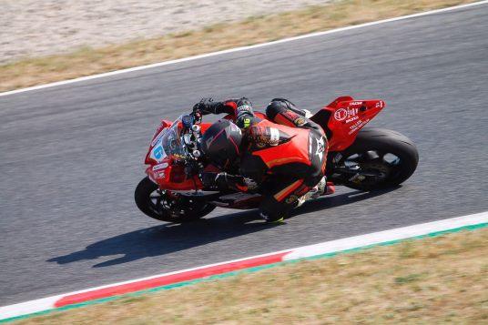 Pakita Ruiz - Prensa Champi Women Racing