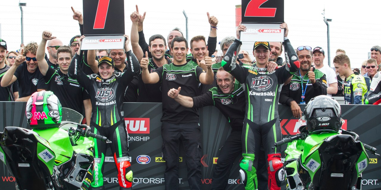Ana Carrasco y el DS Kawasaki Junior Team ganan en Donington
