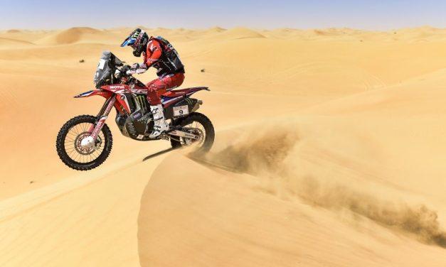 Inicio prudente del Monster Energy Honda Team en el contacto con las primeras dunas de Abu Dabi