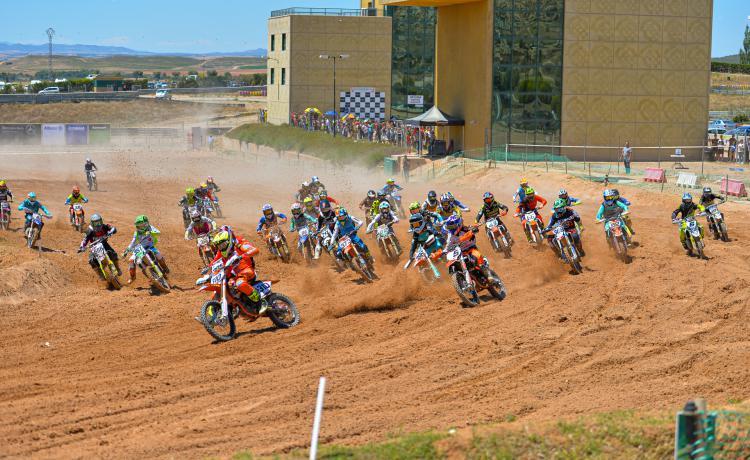 MotorLand reunirá este domingo  en torno a 60 pilotos en el  Campeonato de Aragón de Motocross
