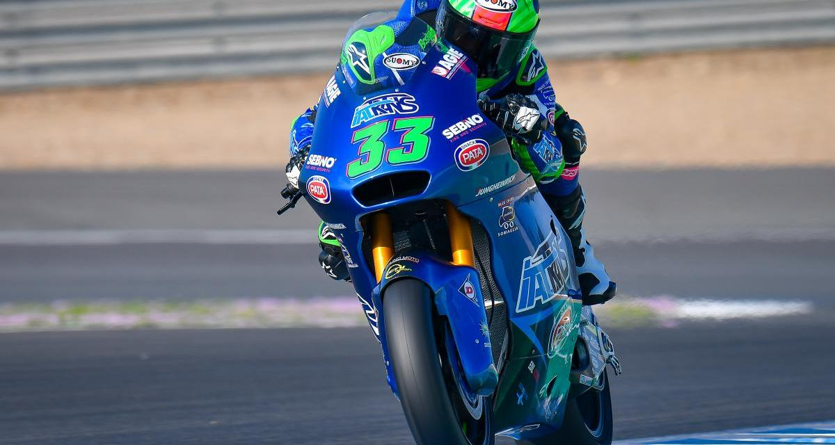 Enea Bastianini aprovecha el amago de lluvia y gana en Misano la carrera de Moto2