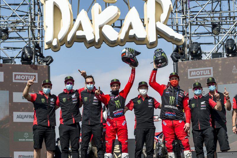 Doblete de Honda en el Rally Dakar 2021: Kevin Benavides, campeón, y Ricky Brabec, segundo en la carrera más dura del mundo