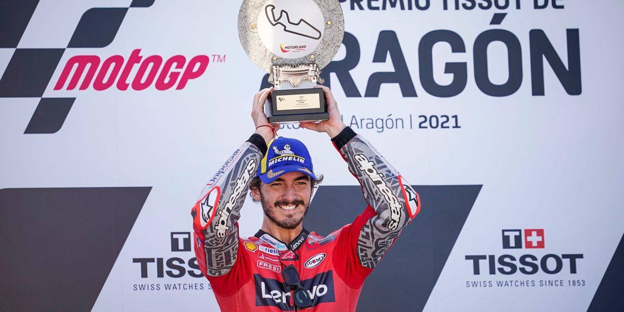 Pecco Bagnaia logra una extraordinaria primera victoria en MotoGP.