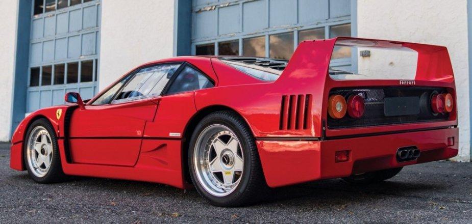 1989 Ferrari f40 rear