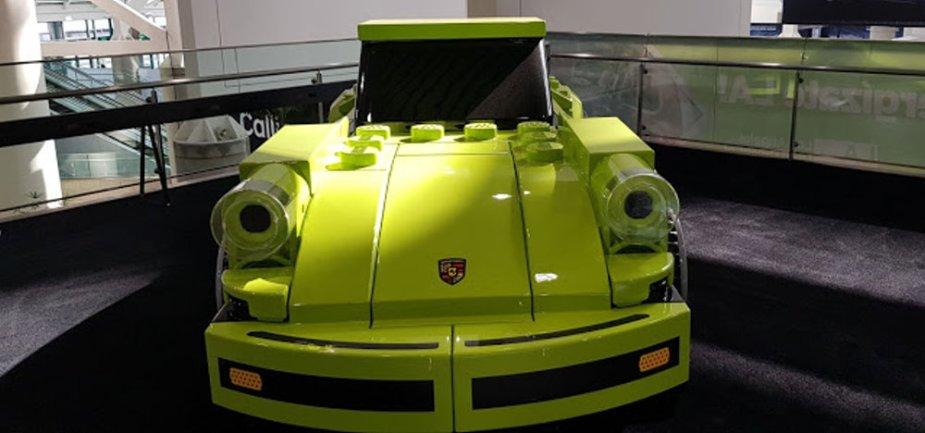 Lego Porsche 911 Turbo 3.0 Low Front