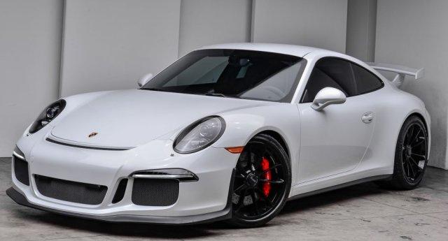 2015 Porsche 911 GT3 Carrera White Front Corner