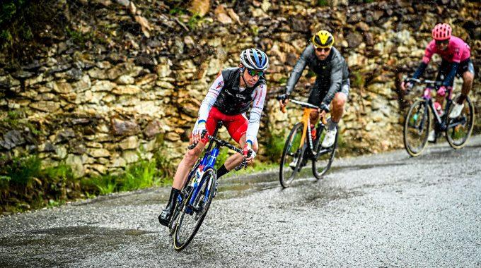 Les coureurs du Tour mis à mal