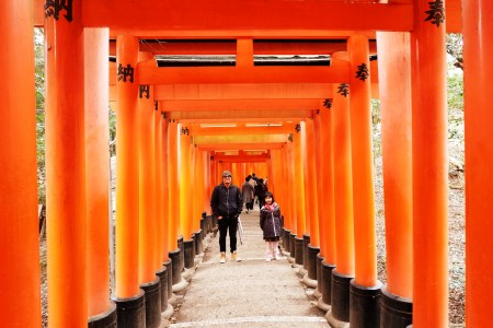 Fushimi Inari with a Kid, Team Uy Travels