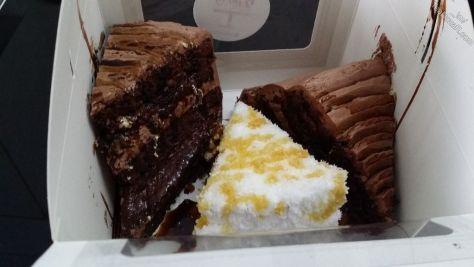 <center>Yummy cakes!</center>