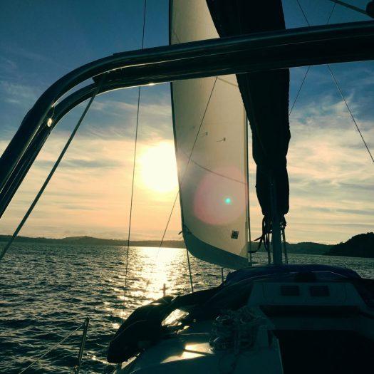Broken furler on head sail