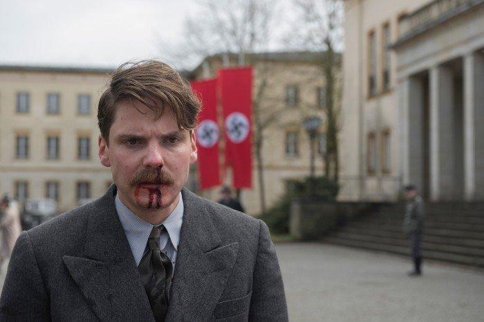 Alone In Berlin Teaser Trailer