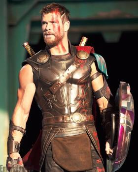 Chris Hemsworth As Thor - Thor Ragnarok Movie
