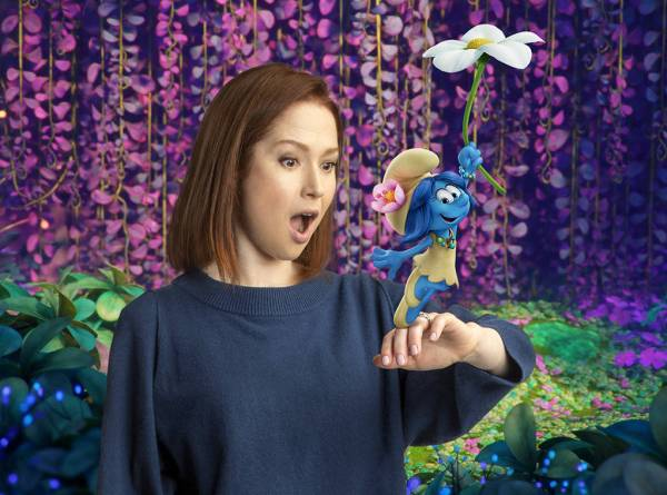 Ellie Kemper As Smurf Blossom