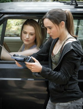 Into the Forest  movie - Evan Rachel Wood as EVA (left) and Ellen Page as Nell (right)
