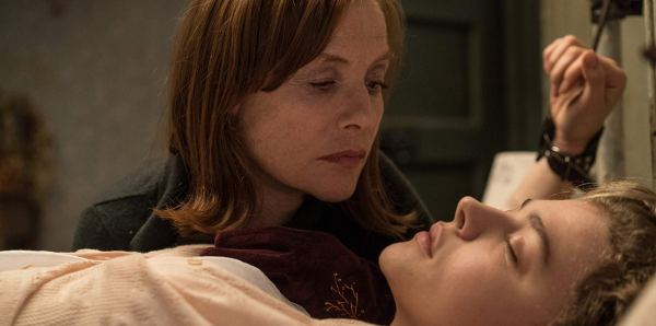 Isabelle Huppert and Chloë Grace Moretz in the movie Greta