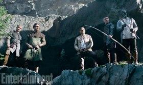 KING ARTHUR: LEGEND OF THE SWORD (2017) (Center-R) CHARLIE HUNNAM as Arthur, AIDAN GILLEN as Bill andDJIMON HOUNSOU as Bedivere