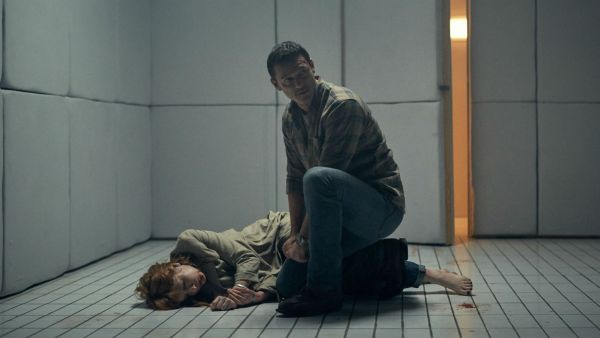 Luke Evans And Kelly Reilly In 10x10