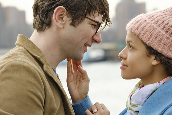 Michiel Huisman And Gugu Mbatha Raw In Irreplaceable You (2018)