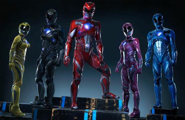 Powers Rangers - The Rangers suit up!