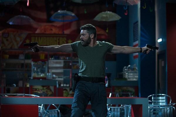 Security Movie - Antonio Banderas