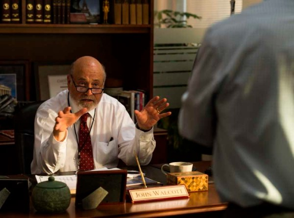 Shock And Awe - Rob Reiner as John Walcott