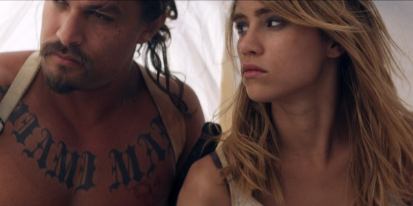 The Bad Batch movie - Jason Momoa and Suki Waterhouse