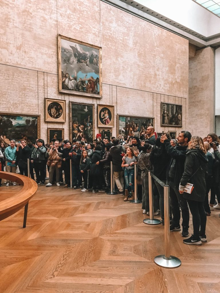 Mona Lisa crowd at the Louvre
