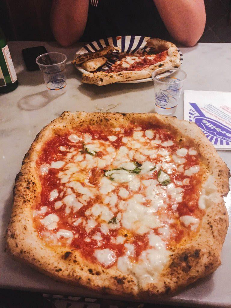 Sorbillo pizza in Naples