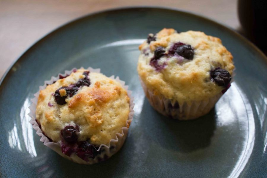 Craving muffins but trying not to go overboard? Try these protein-packed blueberry yogurt muffins!   Teaspoon of Nose