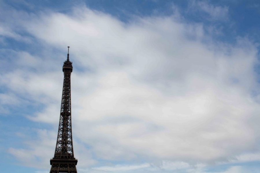 A visit to Paris is incomplete without climbing the Eiffel Tower! | Teaspoon of Nose