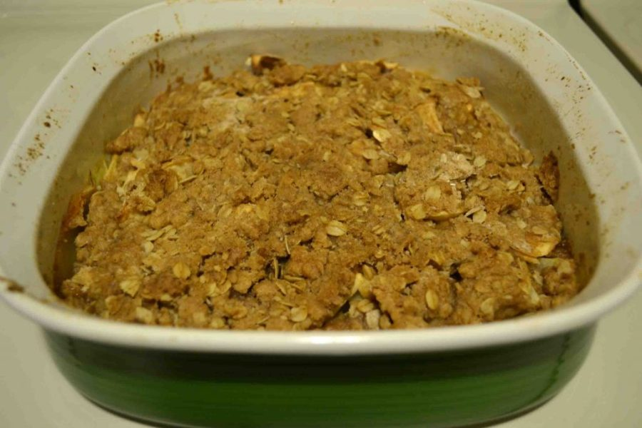 Gluten free apple crisp is a surprisingly easy dessert to throw together! | Teaspoon of Nose