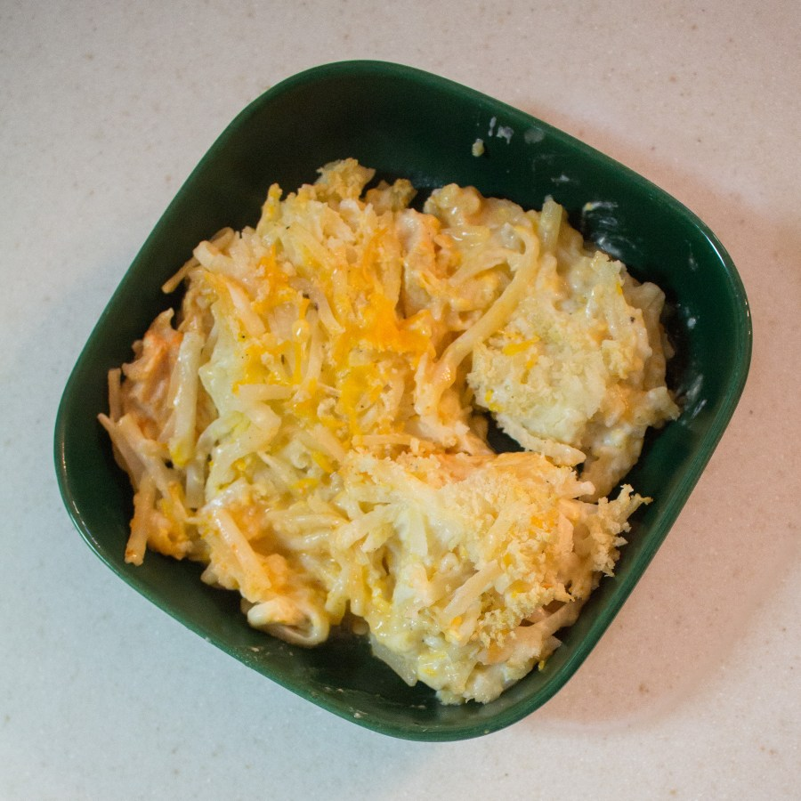 When the weather starts to cool off and football kicks off, it's time for buffalo chicken casserole! | Teaspoon of Nose