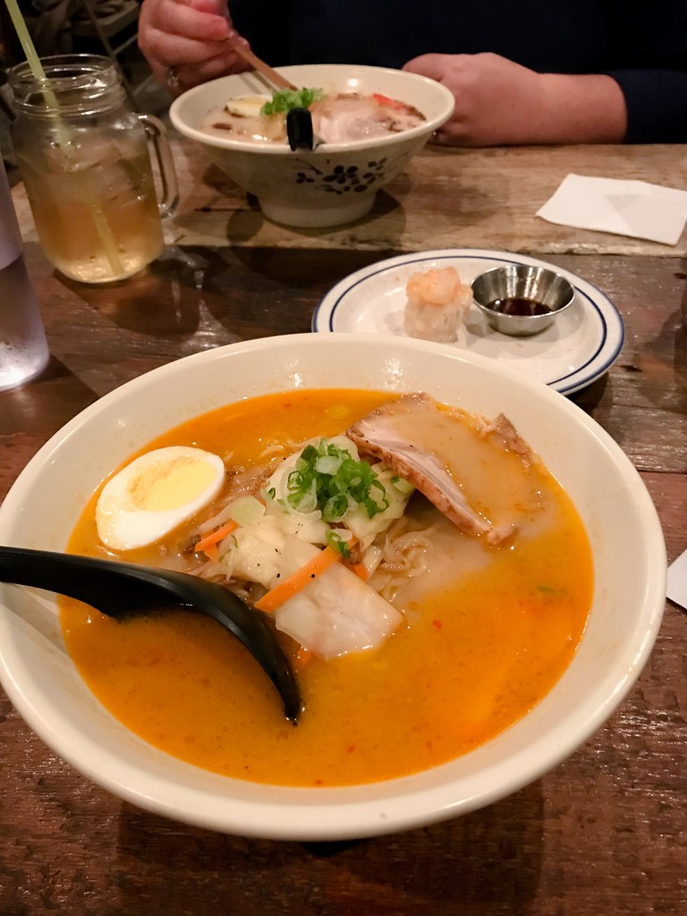 NYC is packed with more fantastic meals than can possibly try in one trip. Here are the New York City restaurants you DON'T want to miss!!