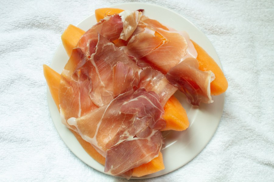 Cantaloupe and prosciutto or prosciutto e melone, is the perfect Italian summertime snack!