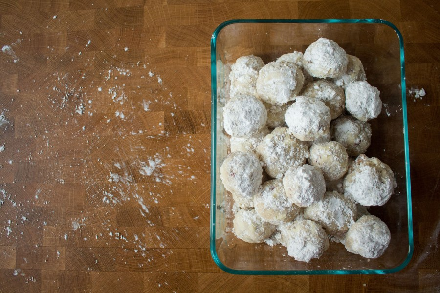 Mexican wedding cookies, aka snowball cookies, are the perfect addition to your Christmas cookie spread!