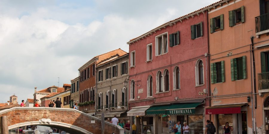 Most famous for Venetian glass, Murano has all the charms of Venice with way fewer crowds! Here's a few tips on the best way to see the island.