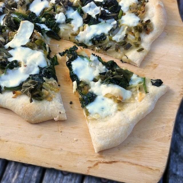 Green & White Summer Pizza