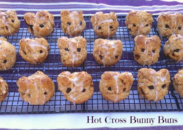 Hot Cross Bunny Buns | Teaspoonofspice.com