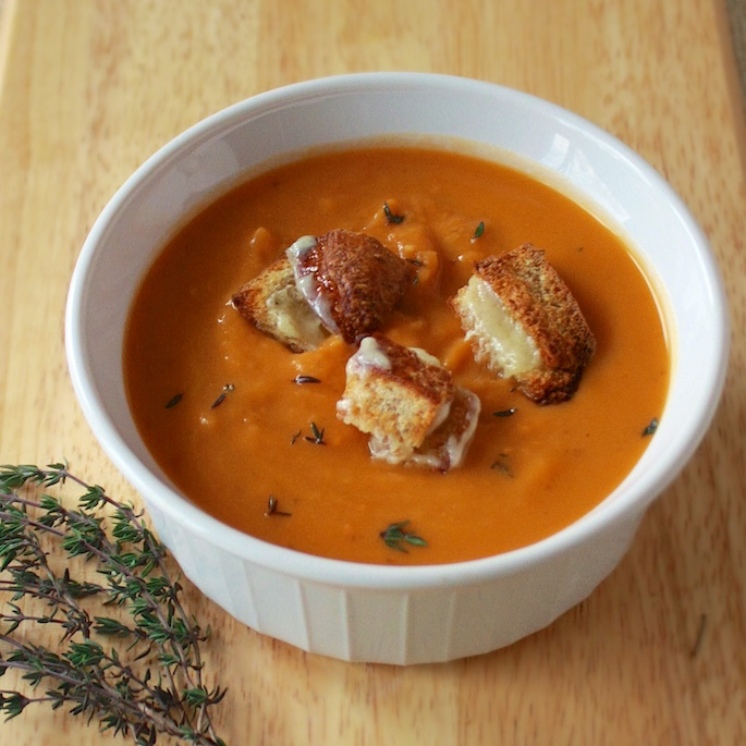 Roasted Sweet Potato Soup with Grilled Cheese Croutons | Teaspoonofspice.com