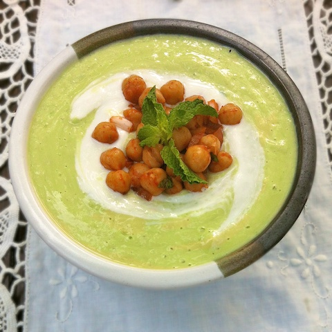 Cucumber Avocado Soup with Moroccan Chickpeas | @tspbasil