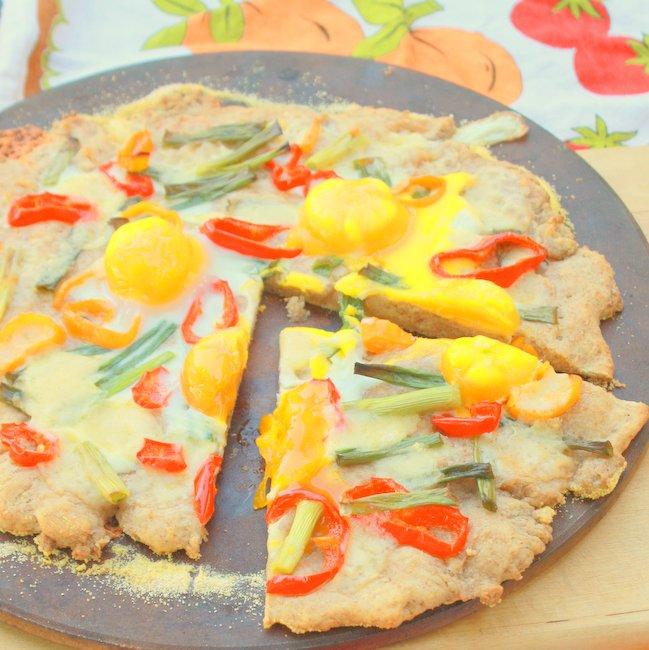 Sweet Mini Pepper, Cheddar & Egg Pizza | TeaspoonOfSpice.com