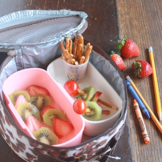 Healthy Kitchen Hacks: Solutions for kids lunchboxes- Cracker Stackers @tspbasil