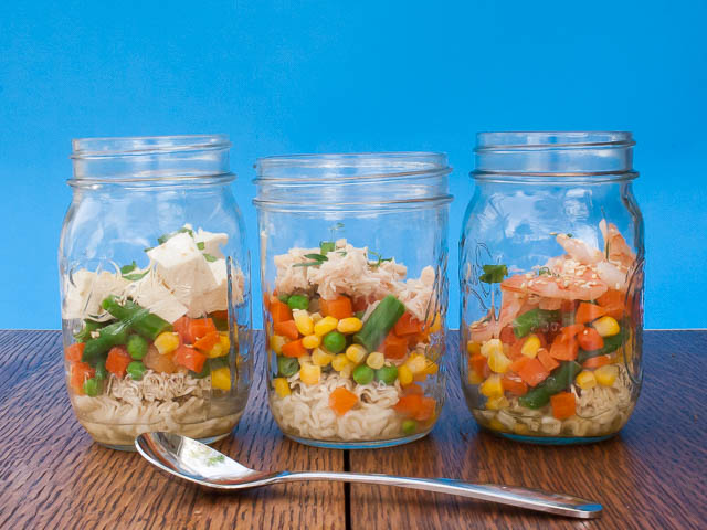 Prep Lunch ahead of time: Noodle Soup in a Jar | @TspCurry DIY noodles