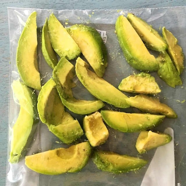 Healthy Kitchen Hacks- How to Freeze Avocados