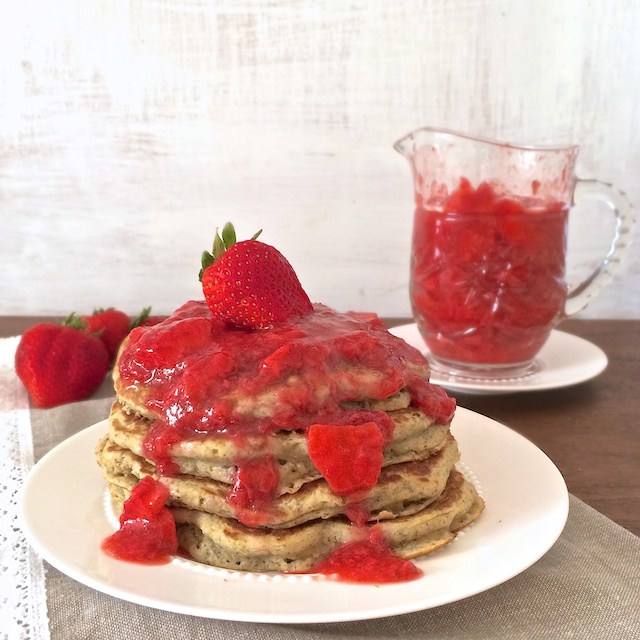 15 Blogger Recipes I Make All The Time - Everyday Whole Grain Pancakes