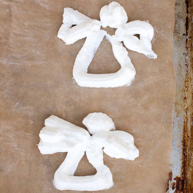 How to make meringue shapes | @TspCurry For more holiday recipes: TeaspoonOfSpice.com